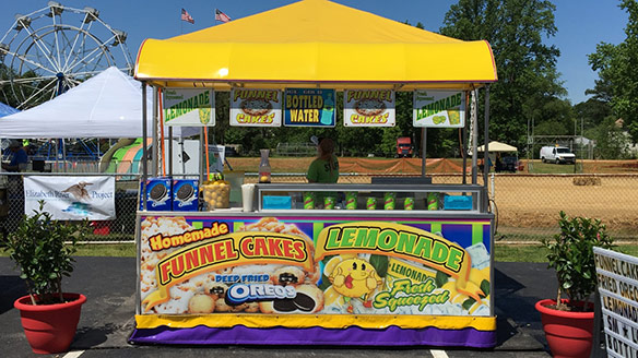 A midway wouldn't be complete without fun-to-eat foods. Boardwalk Attractions delivers with pride. Our midway features the best carnival-style food worthy ...